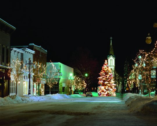 Harbor Springs Main Street Christmas Tree